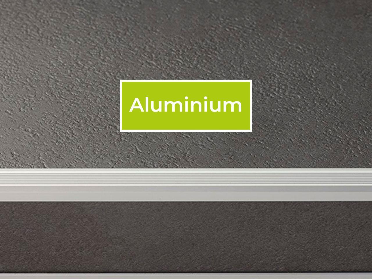 Trapneus profiel voor PVC traprenovatie kleur aluminium